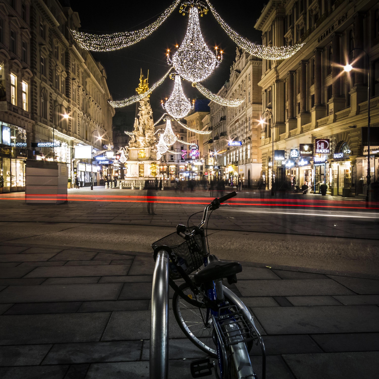 Weihnachtsbeleuchtung am Graben in der Wiener Innenstadt.